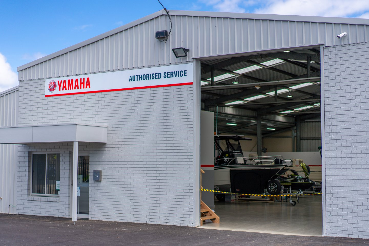 Inverloch Marine Service Center