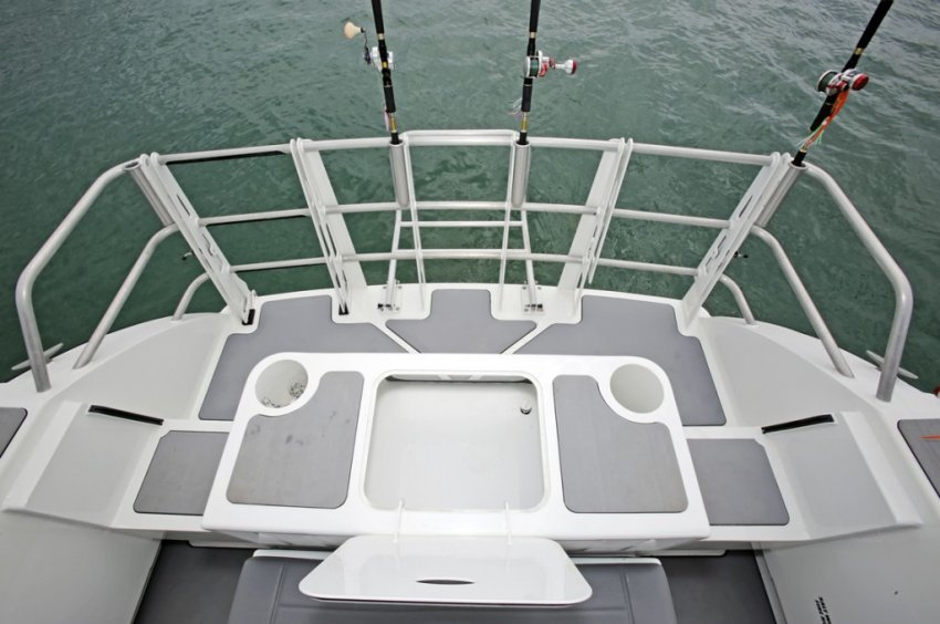 Extreme 985 Game King Transom