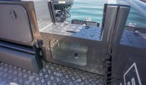 Extreme boats live bait tank with window